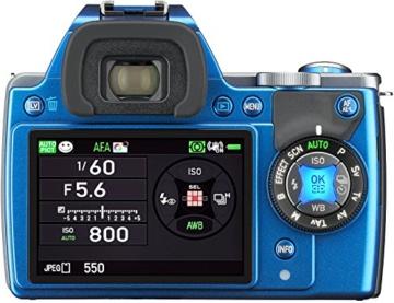Pentax K-S1 SLR-Digitalkamera (20 Megapixel, 7,6 cm (3 Zoll) TFT Farb-LCD-Display, ultrakompaktes Gehäuse, Anti-Moiré-Funktion, Empfindlichkeit bis zu ISO 51200, Full-HD-Video, Wi-Fi, HDMI) Kit inkl. SMC DA 35 mm Objektiv (Lichtstärke 2,4) blau - 1